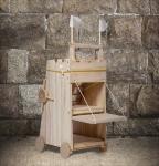 Mittelalterlicher Belagerungsturm. Bausatz aus Holz